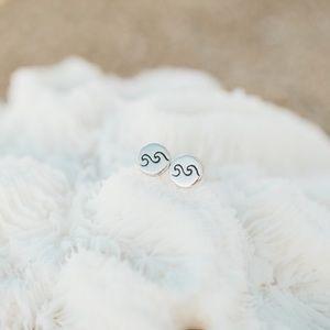 🆕Dainty Sterling Silver Double Wave Stud Earring